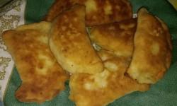 Домашние ленивые хачапури с колбасным сыром