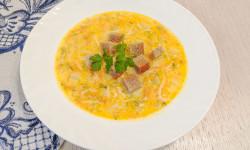 Сырный суп с вермишелью.