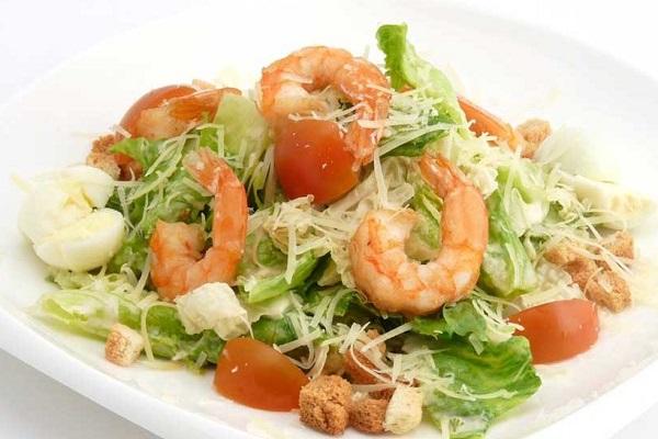 Креветочный салат с сиртаки